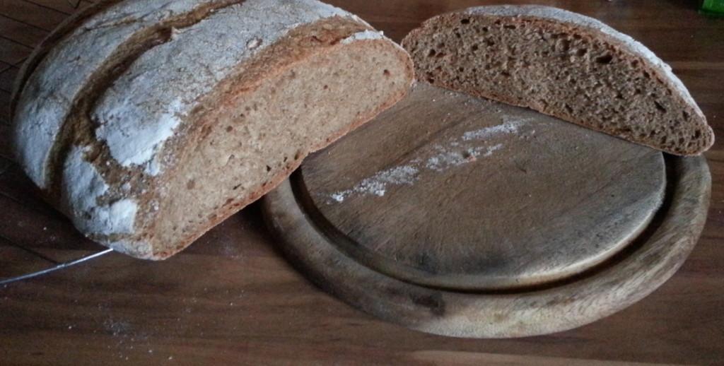 Vollkornbrot aus frisch gemahlenem Mehl