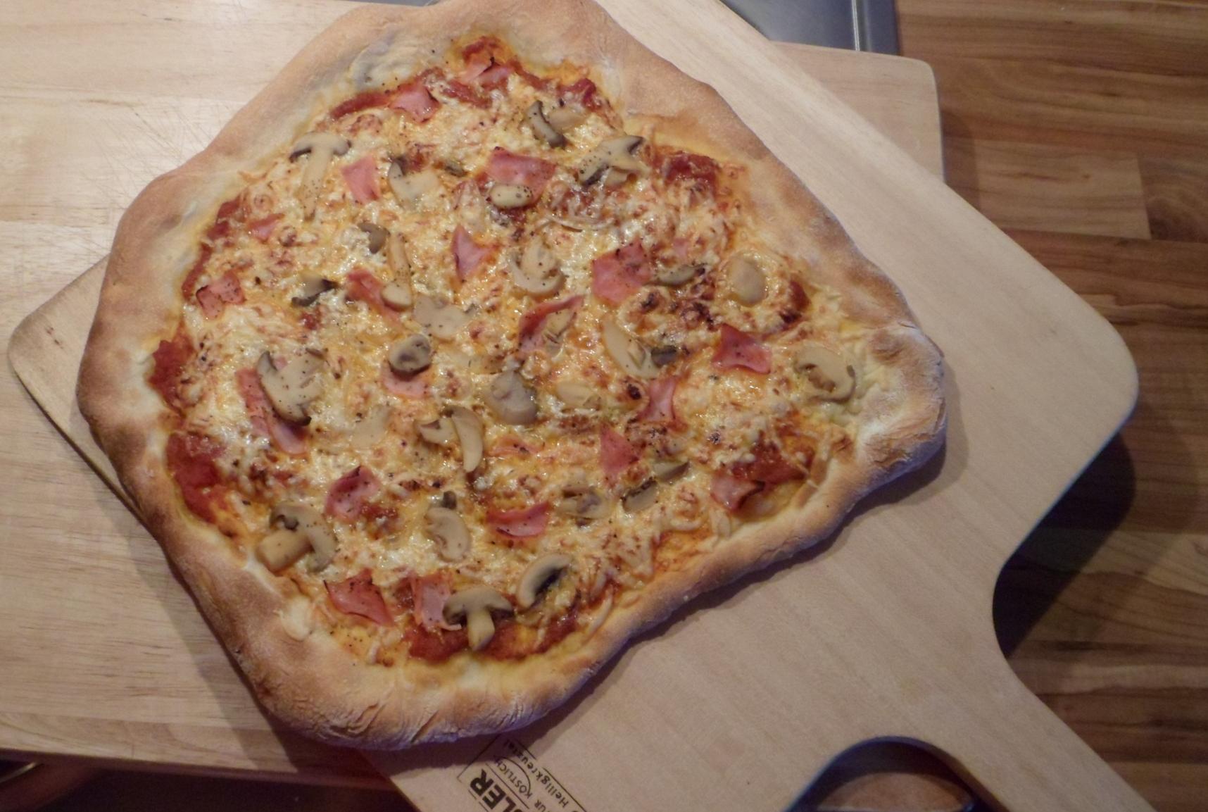 Pizzateig selber machen – mit langer kalter Teigführung