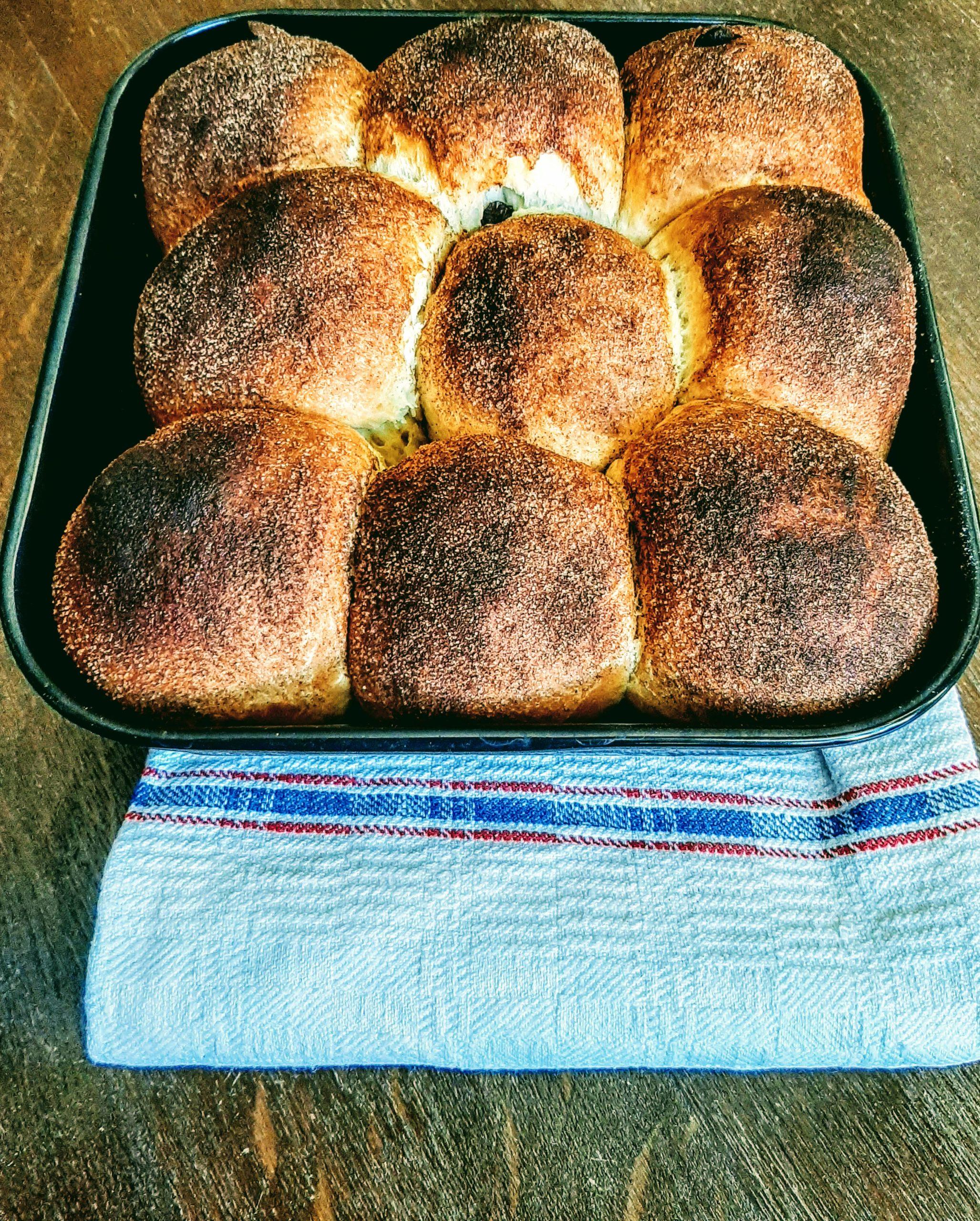 Rohrnudeln frisch aus dem Ofen